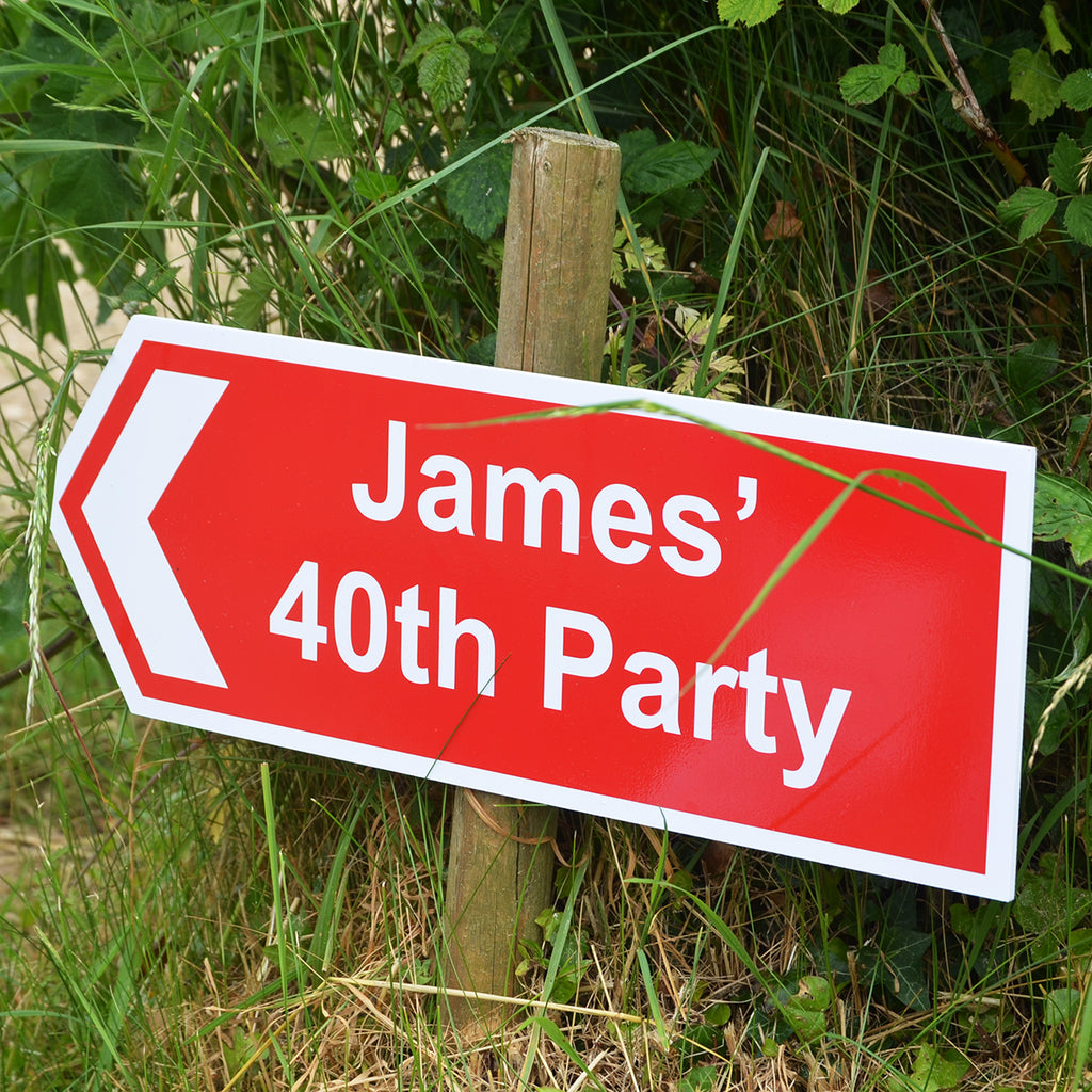 Directional Sign to show people the way to an event with personalised name - Oh My Gift