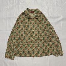 Load image into Gallery viewer, green flower design shirt