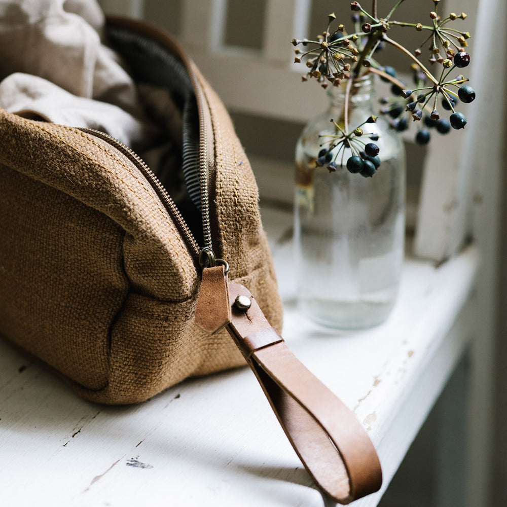 Canvas Wash Bag - Camel