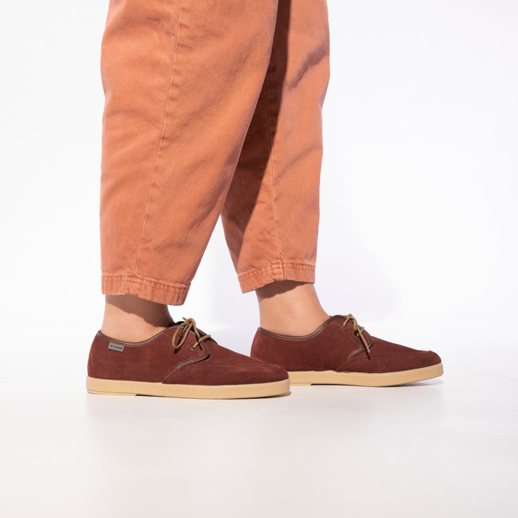 barqet axioma basic burgundy suede