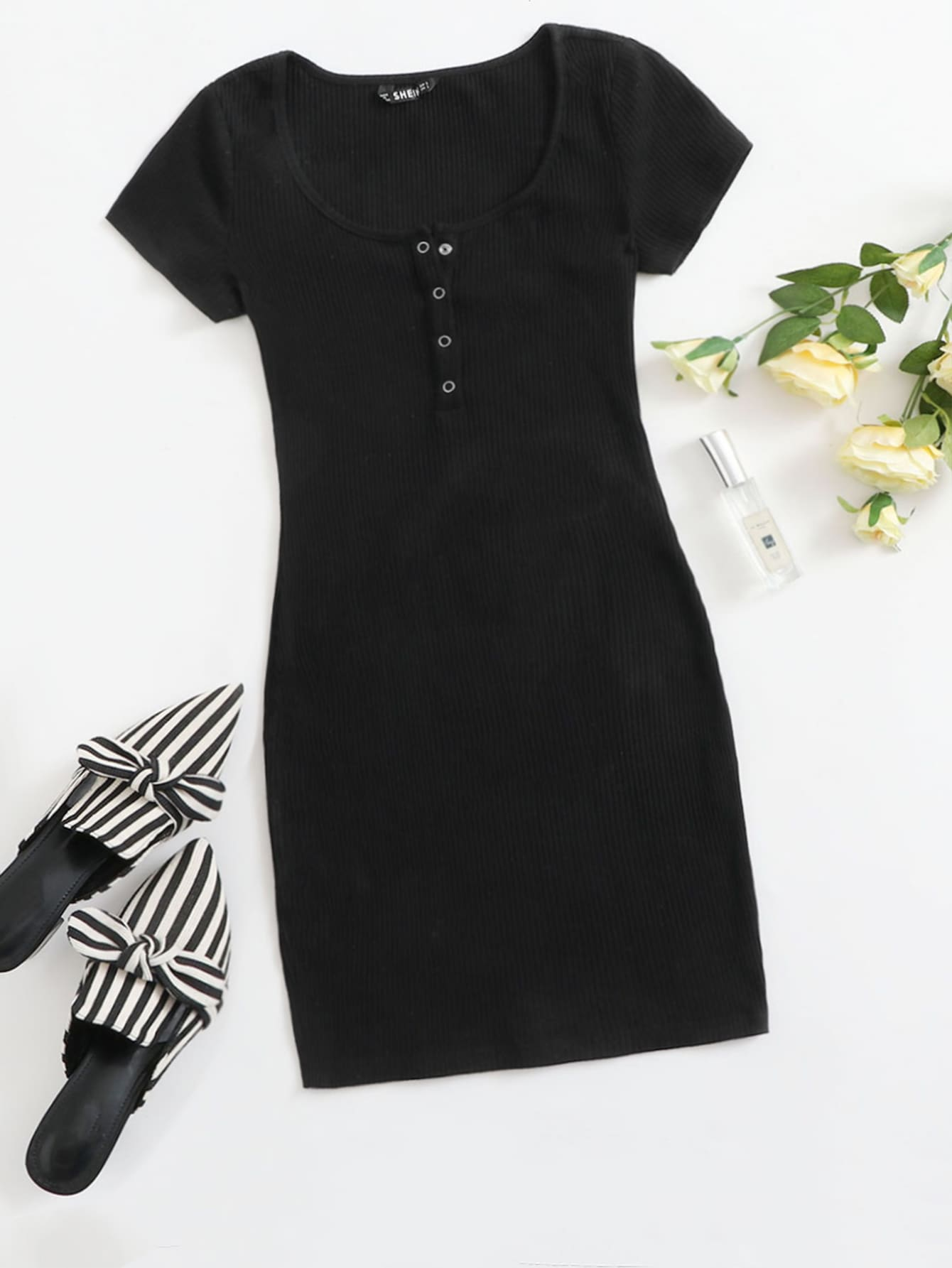 White Casual Ribbed Buttoned Bodycon Henley Dress CS1232673