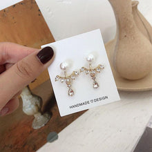 Load image into Gallery viewer, Cute Water Droplets Pearl Rhinestone Lady Earrings Studs
