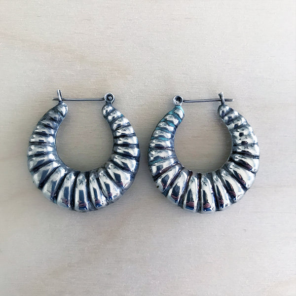 VINTAGE STERLING SCALLOPED HOOPS