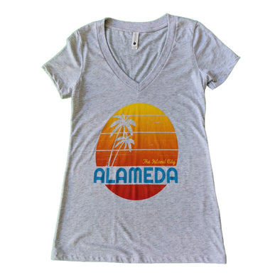 WKND EVERYDAY WOMENS BIG SUN V-NECK TEE