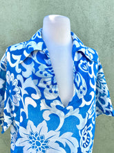 Load image into Gallery viewer, Vintage 1960s Hawaiian Shirt by Hoaloha