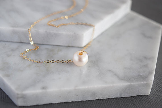 Single Pearl Necklace / Gold / Silver /
