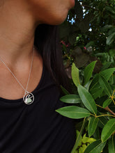 Load image into Gallery viewer, Nåpu Necklace with Sea Glass