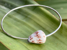 Load image into Gallery viewer, Cone Shell Bangle
