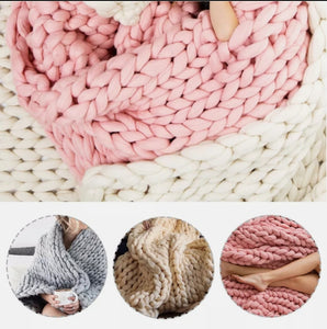 VERY CHUNKY KNIT THROW - AVAILABLE IN 3 COLOURS(120cm x 150cm)