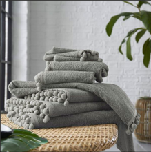 Load image into Gallery viewer, POM POM TOWELS 600gms 100% COTTON