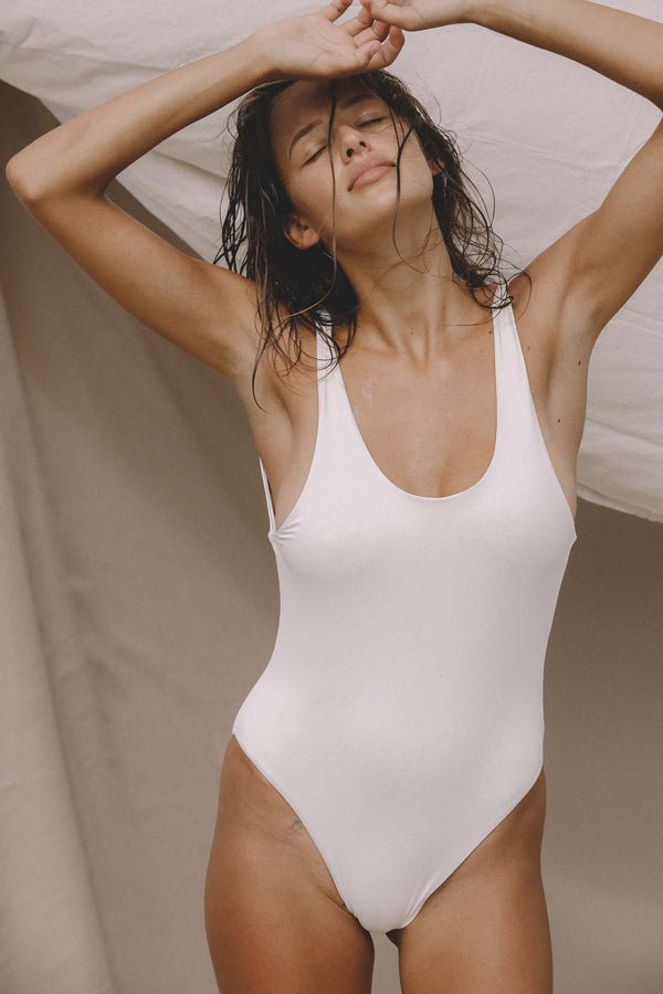Signature Scoop One Piece (Meringue) *FINAL SALE*