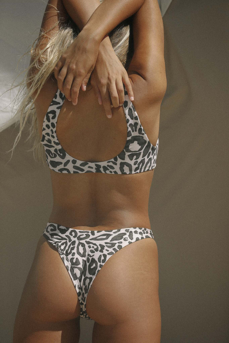 Signature High Hip Bottom (Spot) *FINAL SALE*