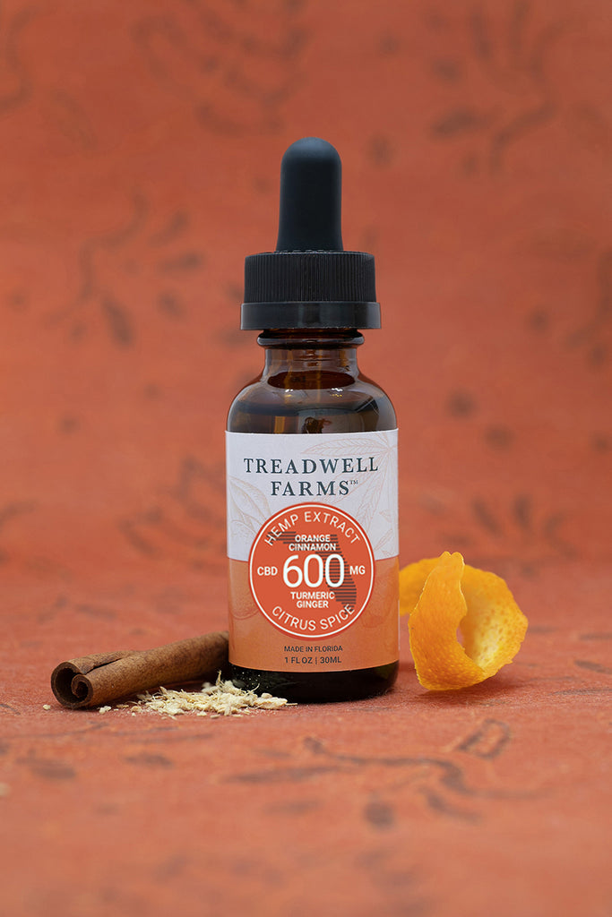 Treadwell Farms Citrus Spice Hemp Extract is made of pure organic CBD Hemp Extract, a satisfying blend of organically grown CBD Hemp Extract, Sunflower Lecithin, MCT Oil (Coconut Oil), Orange, Cinnamon, Turmeric, and Ginger.