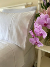 Load image into Gallery viewer, Queen Linen Bed Sheet Set