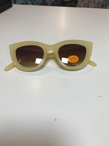 Classed CatEye Sunglasses - cream - Isabel's Retro & Vintage Clothing