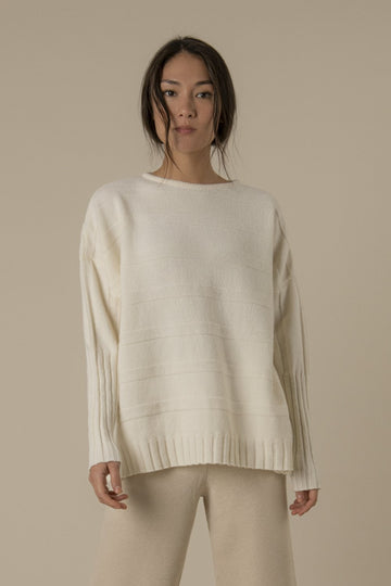 James Knitted Jumper in Off-white