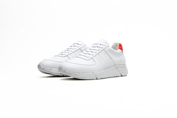Challenge V2 Unisex Vegan Panel Trainers in White