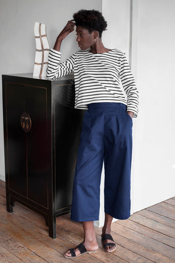 Wide Leg High Waist Trousers in Navy