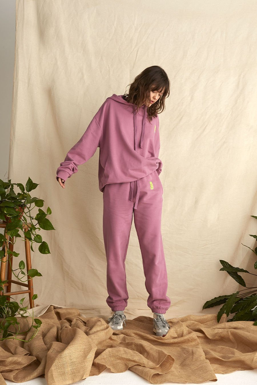 Organic Cotton Joggers in Plum