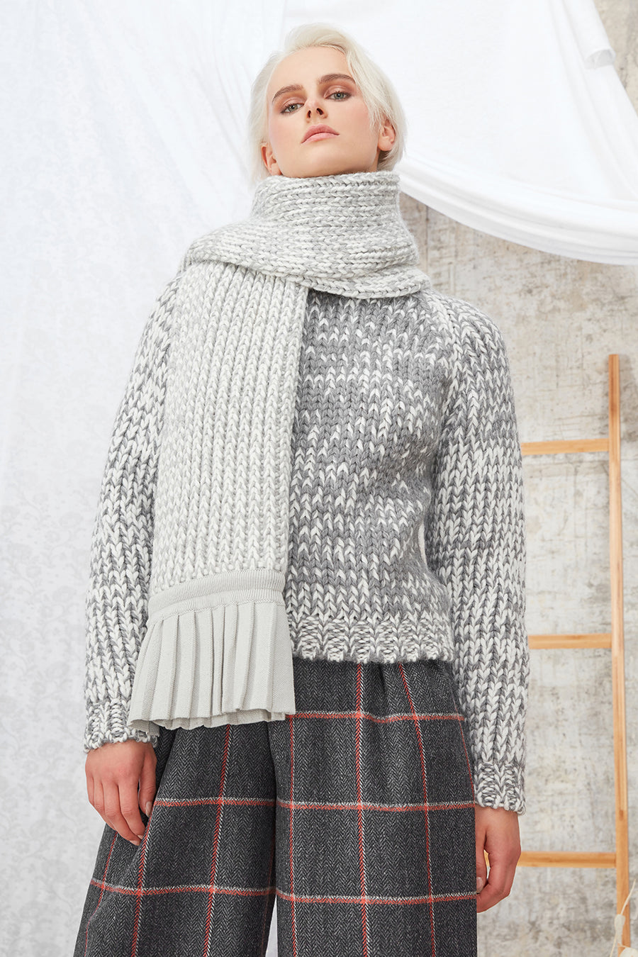 Daisy Organic Wool & Alpaca Knitted Jumper in White/Grey