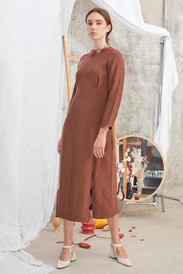Meghan Dress in Mocca