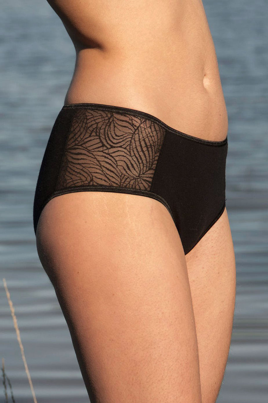 Savannah Organic Cotton Shorty Briefs in Black