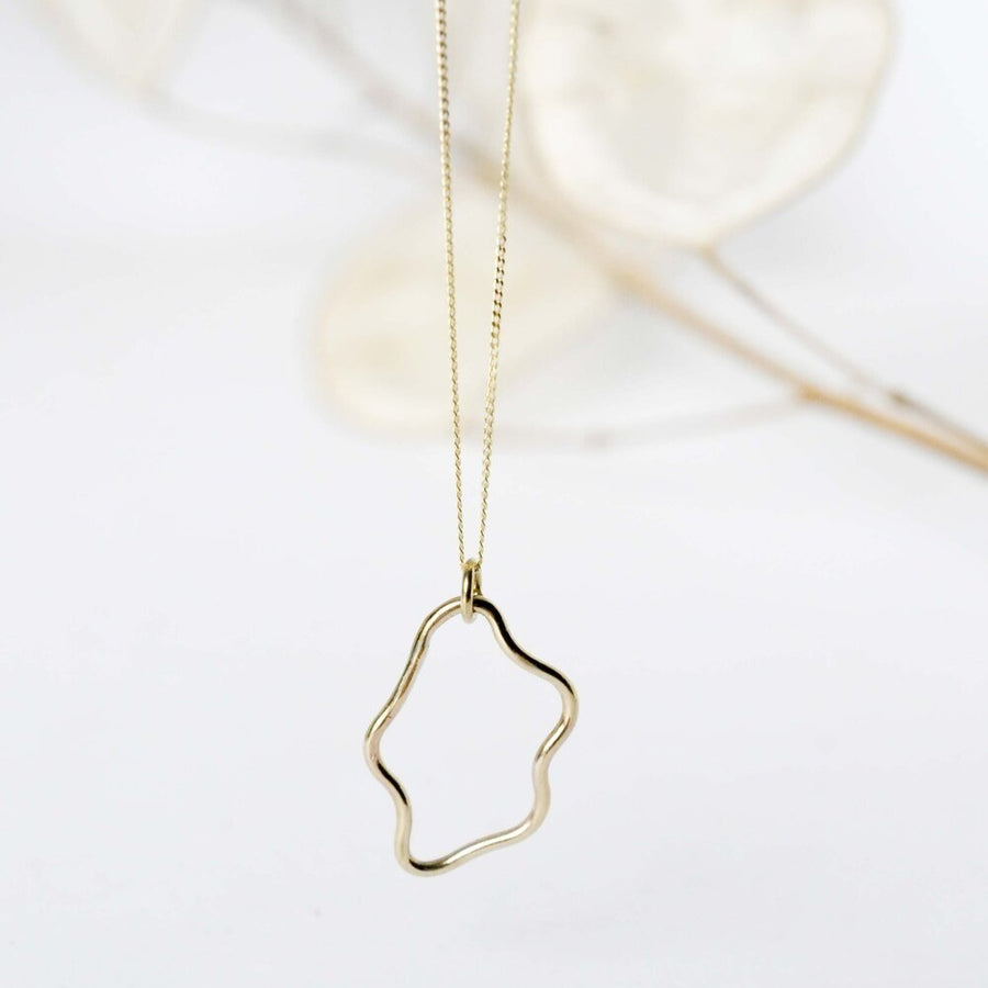 9ct Gold Small Curvy Pendant Necklace