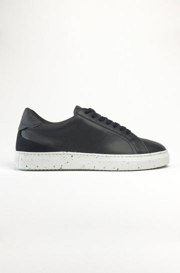 Men's Tide Sustainable Trainer in Black