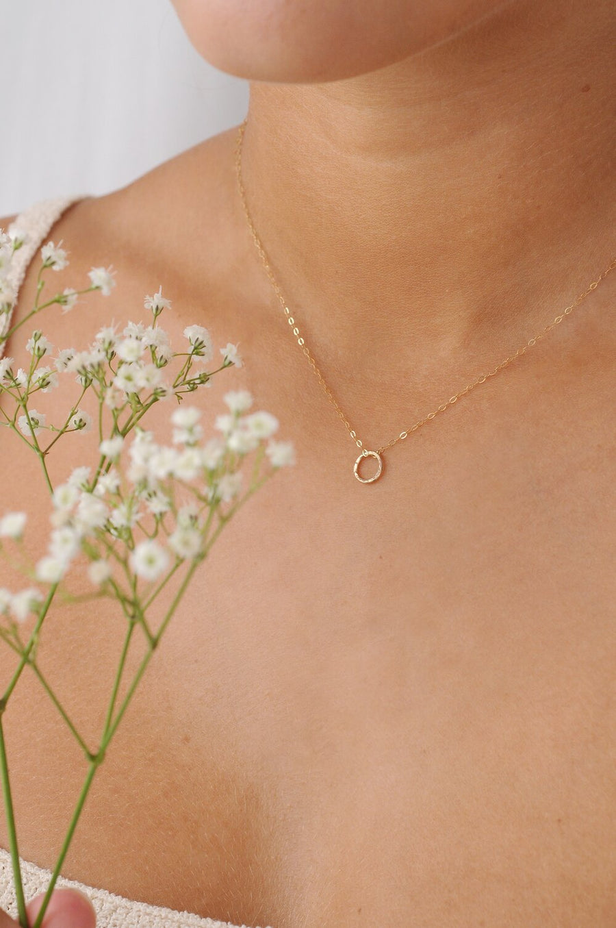 9ct Gold Textured Circle Necklace