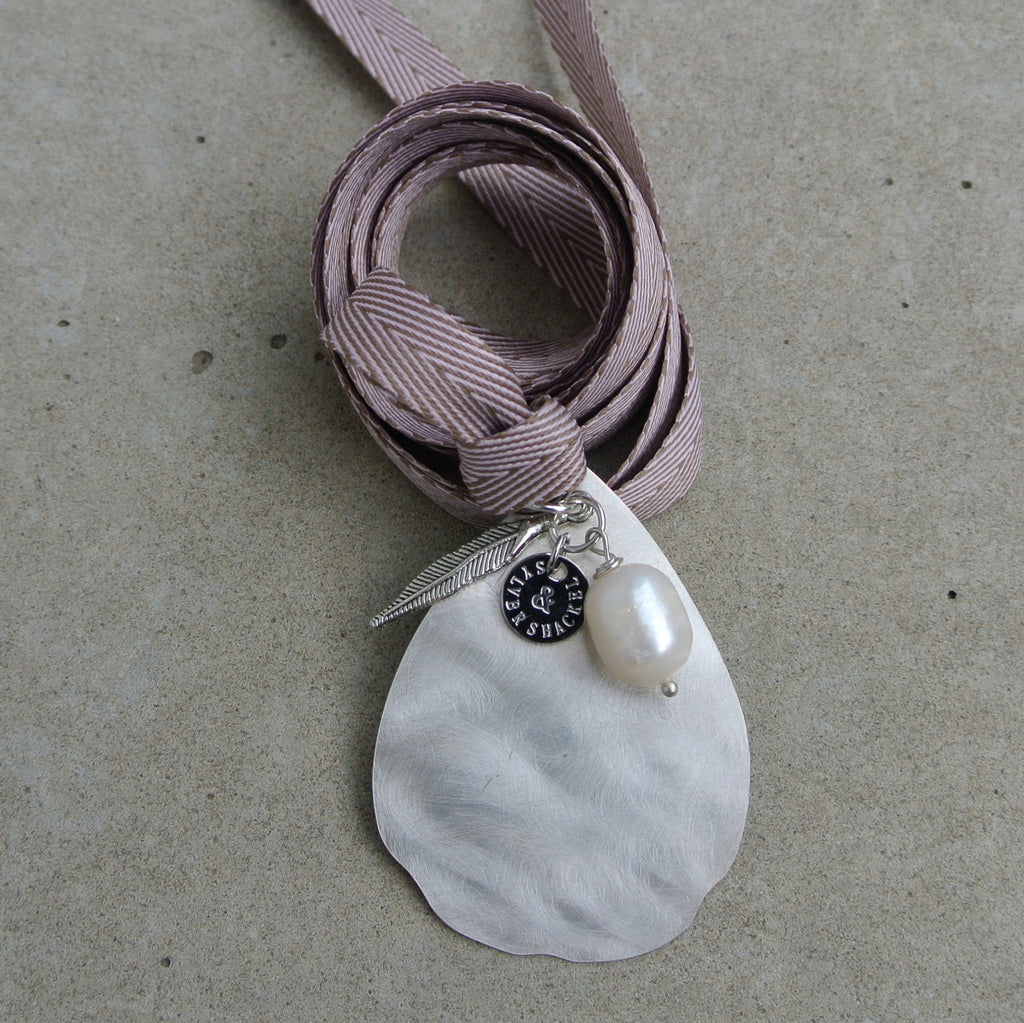 Margherita pendant / Unstamped / Powder Rose