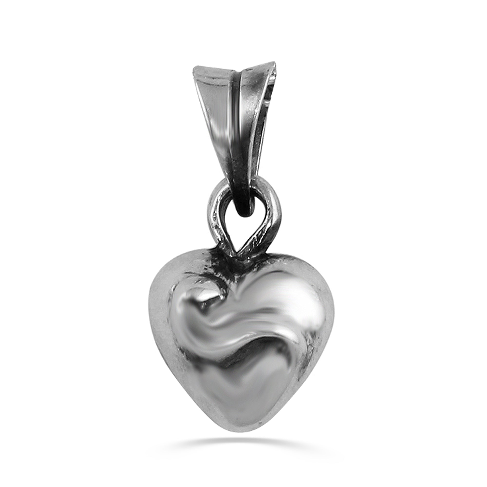 a&g-rock-mini-heart-pendant-closeup