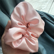 Load image into Gallery viewer, MULBERRY SILK SCRUNCHIE