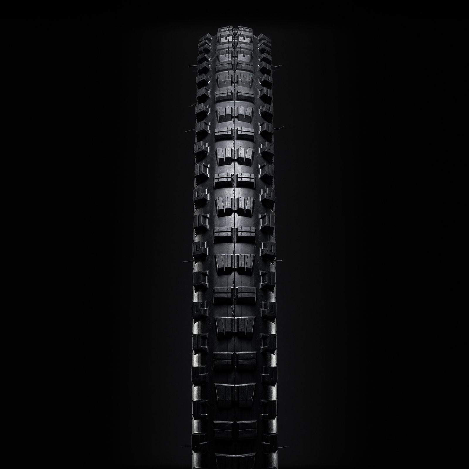 29x2.4 // Trail Casing // Black (Pair) - Versus Bicycle Tires