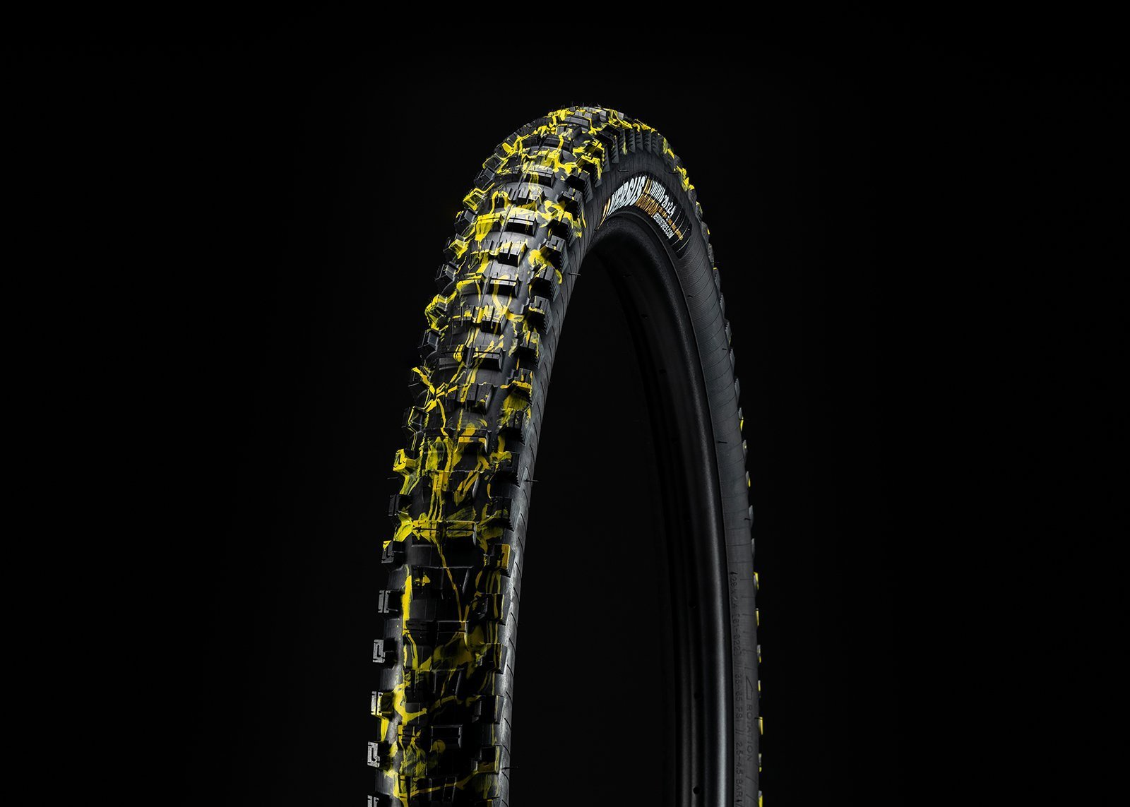 29x2.4 // Trail Casing // Splatter (Pair) - Versus Bicycle Tires