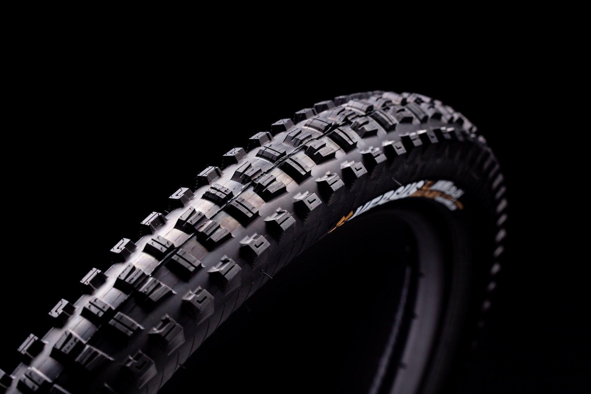 "All Mountain // Trail Casing // 29x2.4"" (Single Tire) - Versus Tires"
