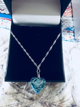 Load image into Gallery viewer, Crystal Heart Glow In The Dark Necklace