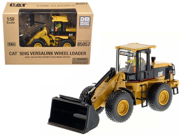 "Caterpillar 924G Versalink Wheel Loader with Work Tools with Operator ""Core Classics Series"" 1/50 by Diecast Masters"