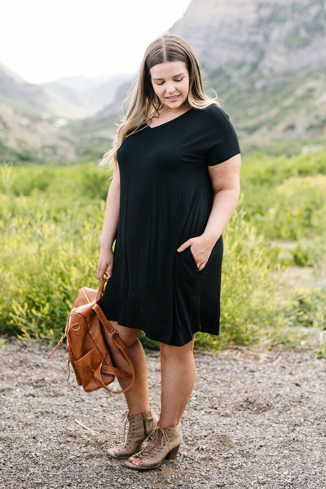Summer Swing V-Neck Dress In Black