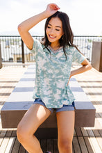 Load image into Gallery viewer, Tessa Tie Dye Top In Sage