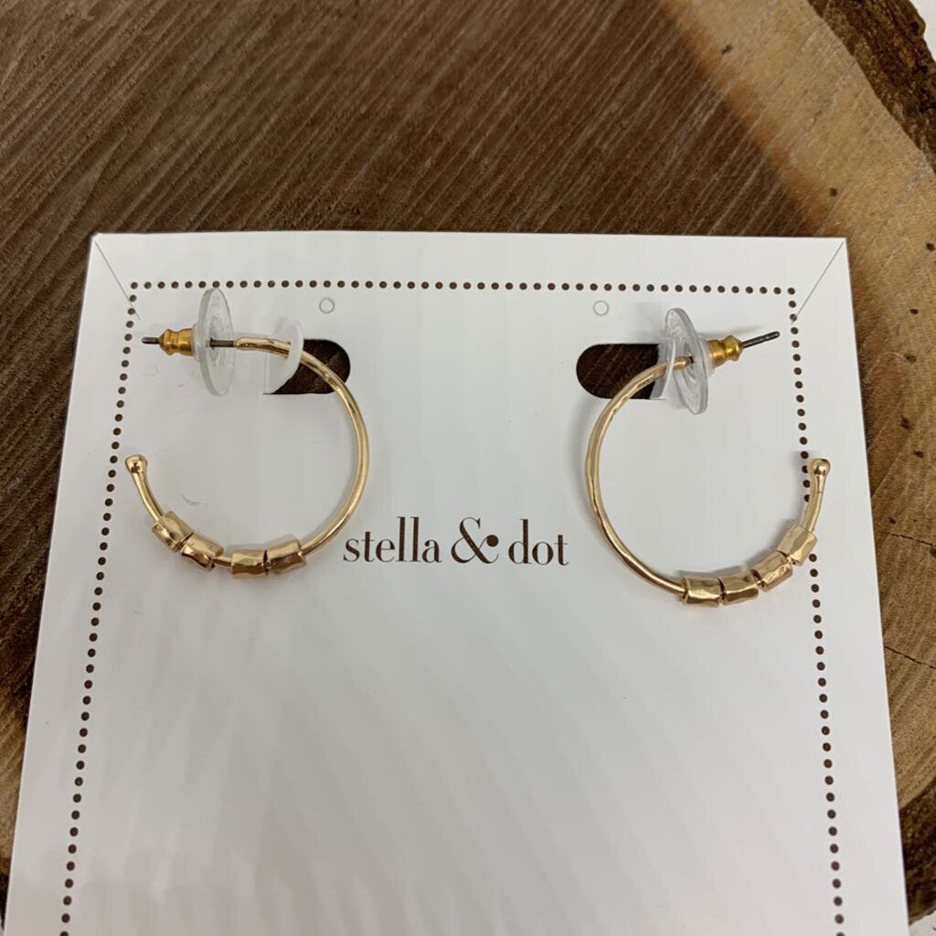 Stella & Dot 'Namesake' Hoop Earrings NWT
