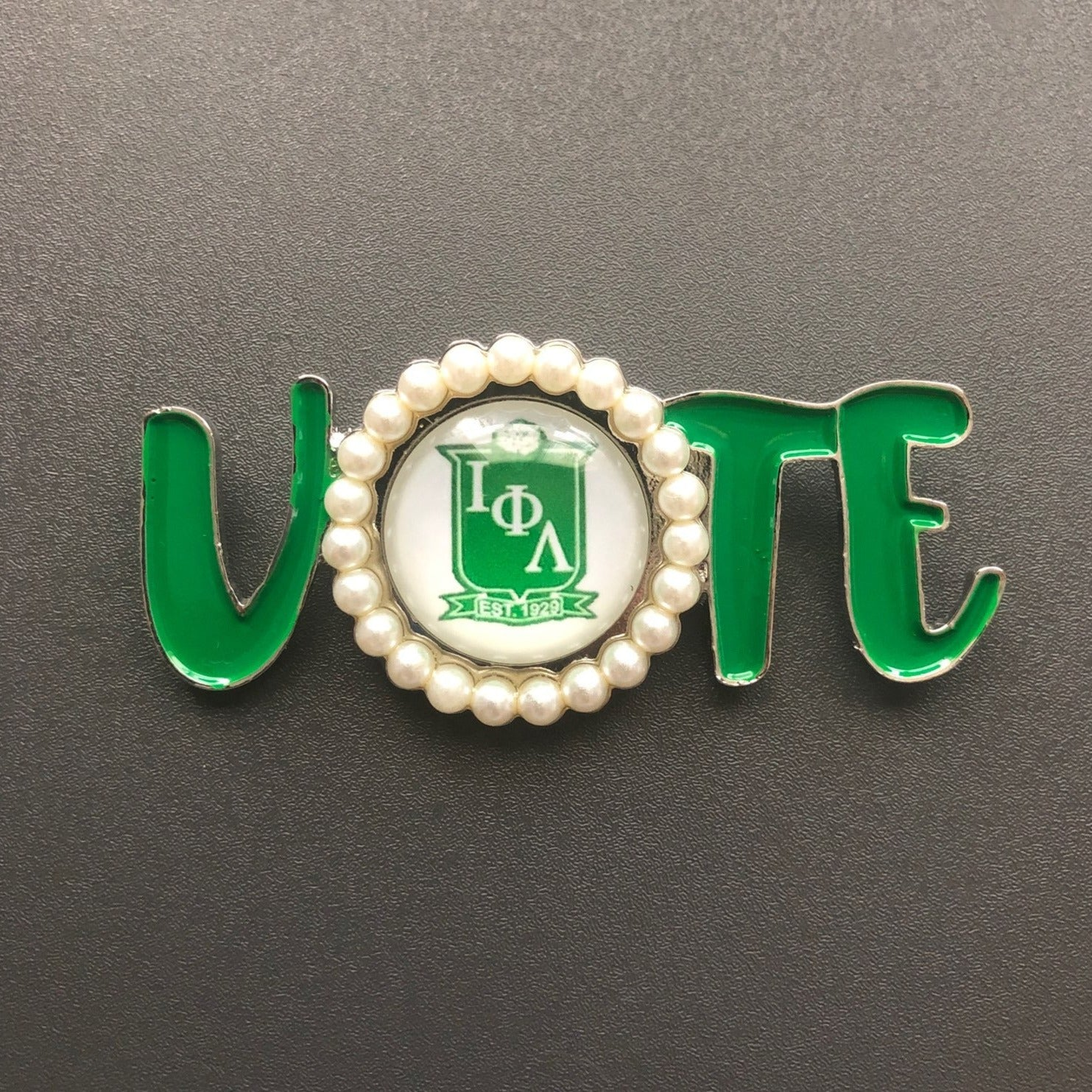 Iota Phi Lambda ΙΦΛ Vote with shield Lapel Pin Brooch Green/White Pearl