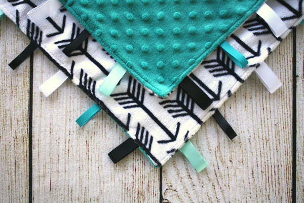 Arrow Taggy Blanket