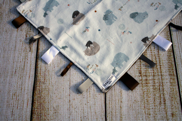 Bear Love Taggy Blanket