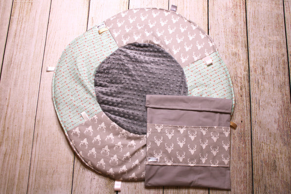 Deer Grey Arrow Travel Playmat