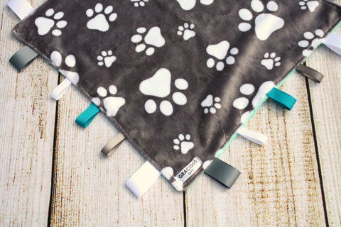 Gender Neutral Paws Taggy Blanket