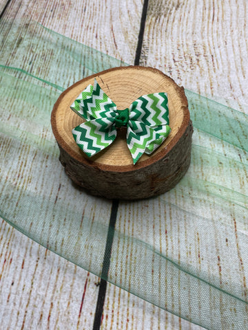 Pinwheel Chevron Medium Bow Clip