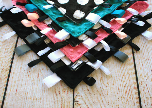Polka Dot Taggy Blanket