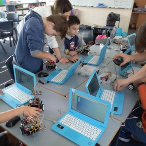 STEMLOOK Robotics School Chatswood Robot Makers Advanced robotics Class for children Y3-Y7