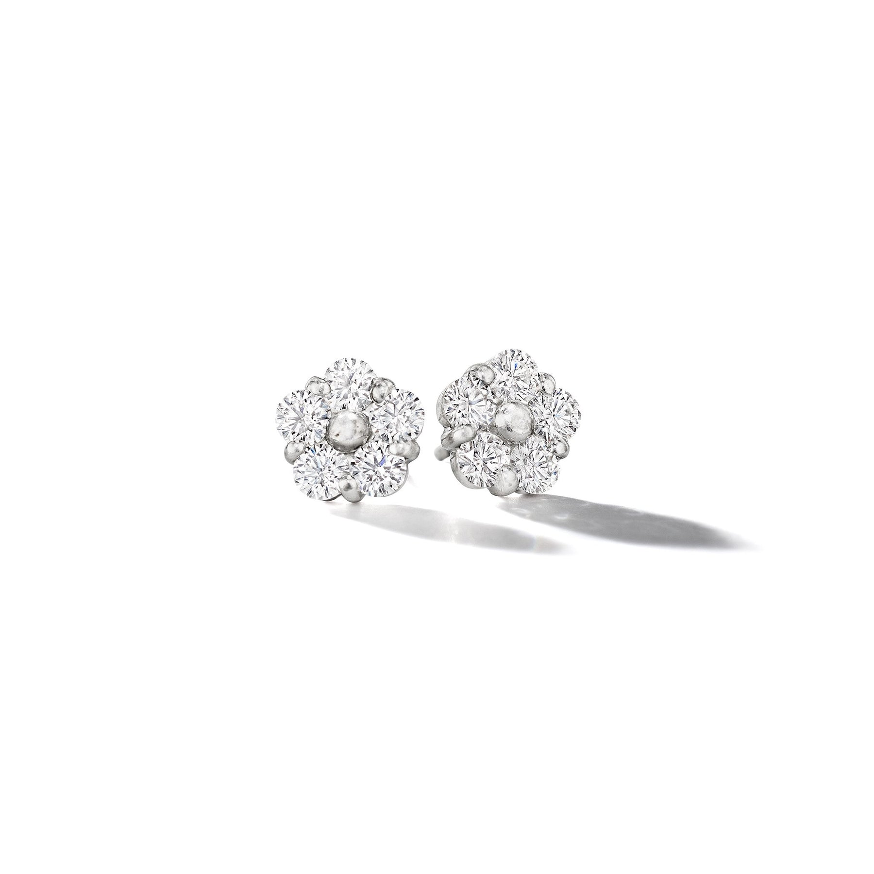 Anzia Flower Diamond Stud Earrings XL_Platinum