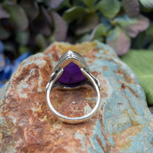 Load image into Gallery viewer, Amethyst Ring | Sterling Silver 925 | SIZE 7.5 | Raw Gemstone Ring | Floral Ring